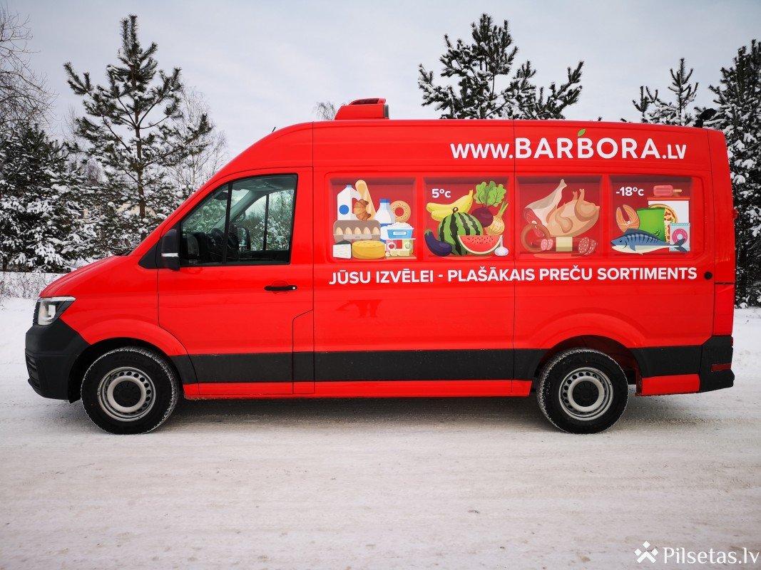 """Pasūtījumu skaitam trīskāršojoties, interneta veikals """"Barbora"""" Latvijā atklāj savu pirmo autoparku"""