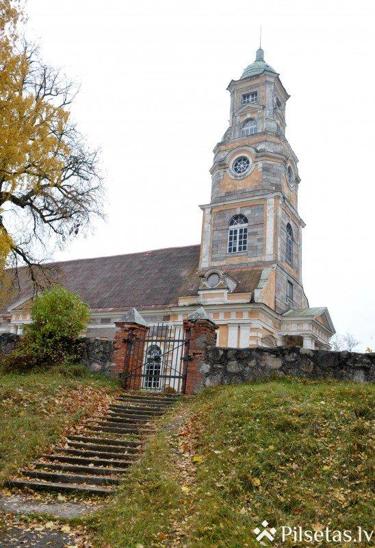 Alūksnes luterāņu baznīca