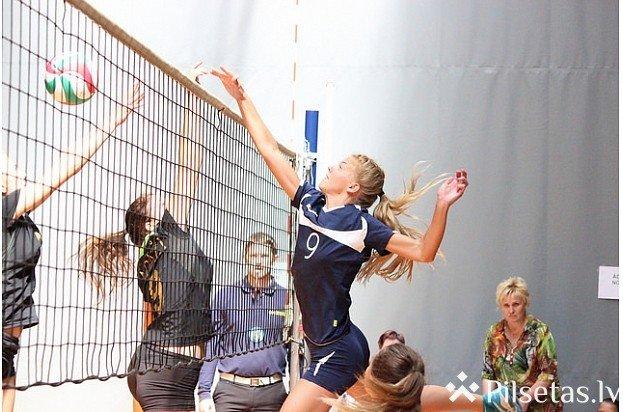 Latvijas nacionālās līgas volejbola čempionāts Pumpuru vidusskolas sporta zālē