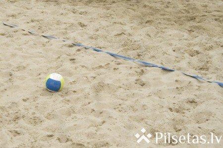 Pludmales volejbola sacensības MIX un veterānu grupām volejbola laukumos pie Gaujas