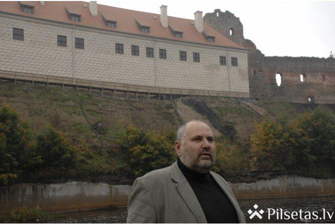 Bauskas pils muzeja direktors Māri Skanis