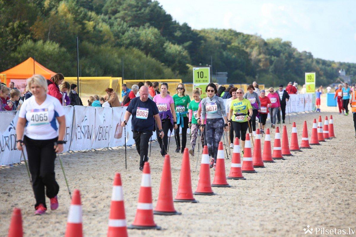 """""""Jūrmalas sporta svētkos"""" apbalvoti Latvijas ātrākie skrējēji un nūjotāji"""""""
