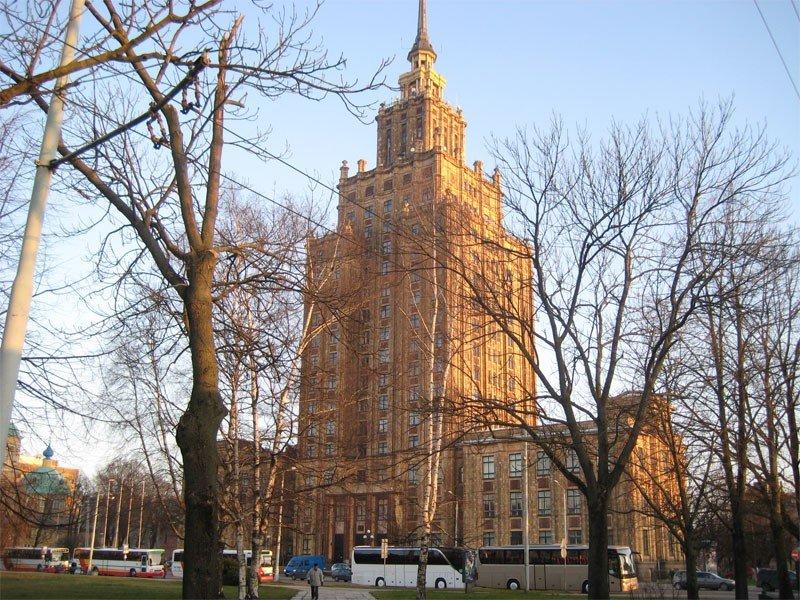 Здание академии науки