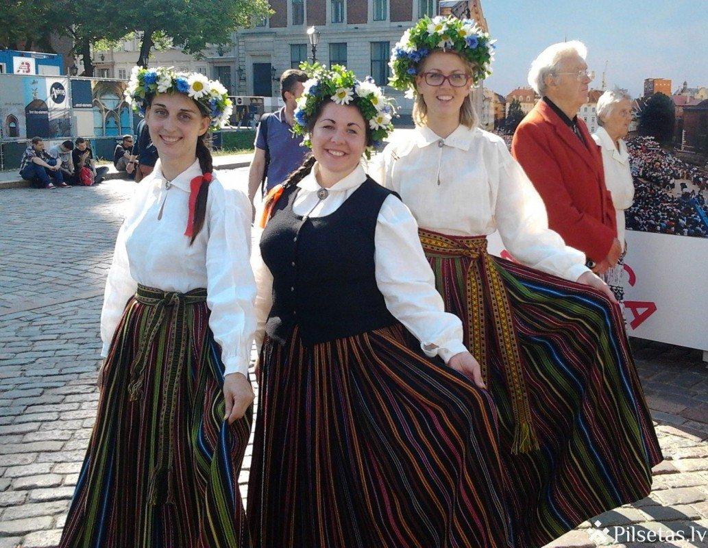 Открытие выставки в честь 10-летия фольклорного фестиваля BALTICA