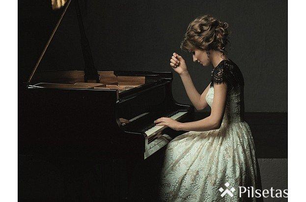 """Koncerts """"Vīnes klasika. Mocarta klavierkoncerts un Bēthovena simfonija"""" Dzintaru koncertzālē"""
