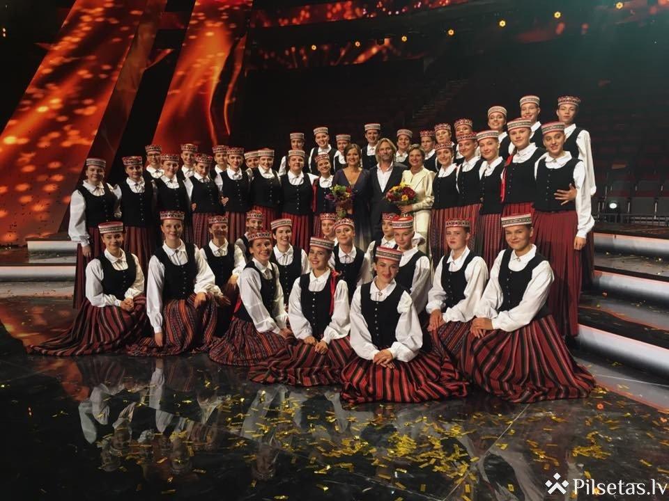 Eirovīzijas koris un Raimonds Pauls koncertā