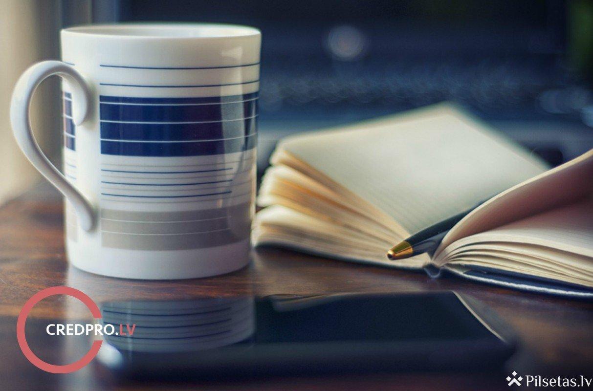 Četras 10 minūšu darbības, kas palīdzēs tev gudrāk rīkoties ar naudu