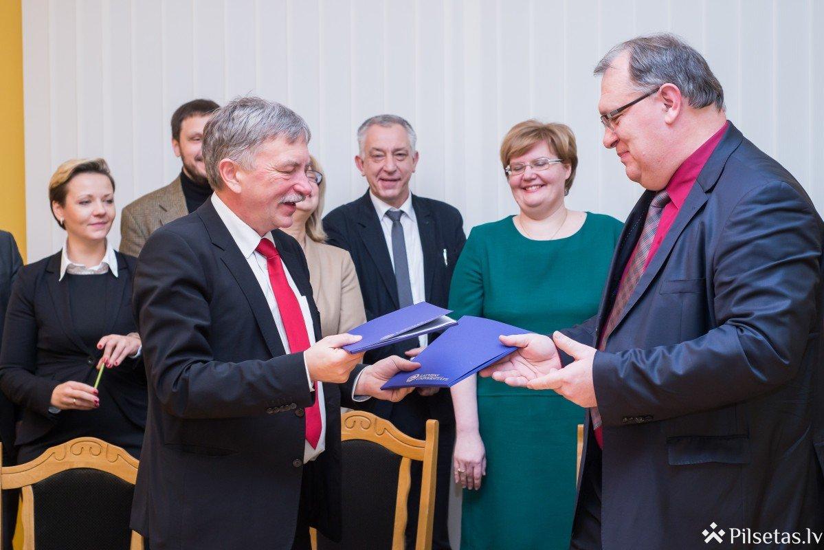 Latvijas Universitāte un Daugavpils Universitāte parakstījušas Partnerības līgumu