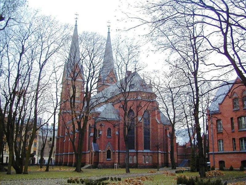 Sv. Franciska katoļu baznīca