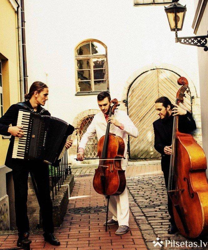 Ansamblis Tangoriginales aicina atklāt tango un džeza pasauli