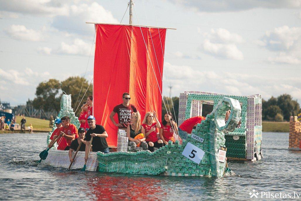 Jelgavā notikusi piecpadsmitā Baltais Piena paku laivu regate